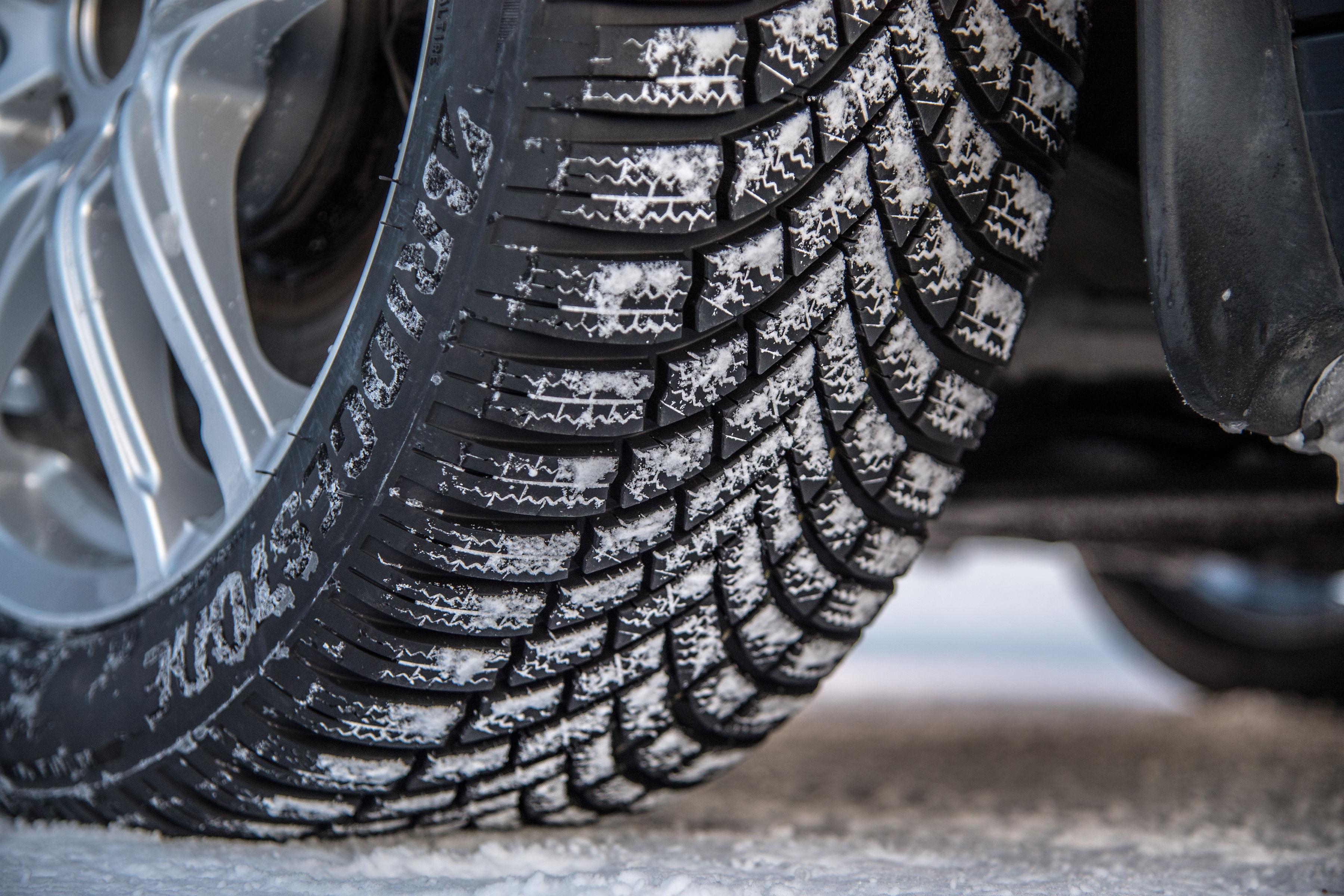 Il design dei nuovi pneumatici invernali Bridgestone Blizzak LM005