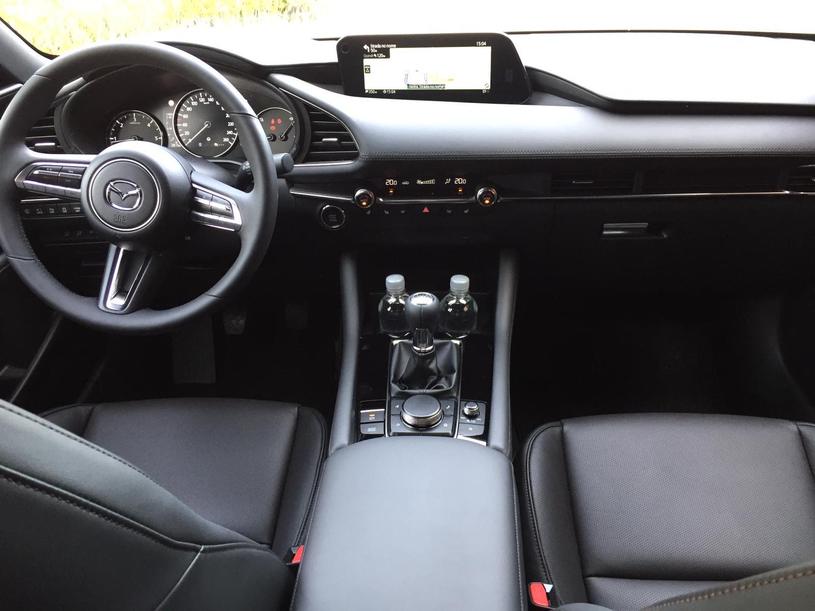 Gli interni della nuova Mazda3