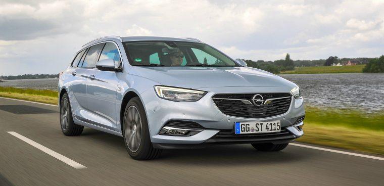 noleggiare Opel Insignia