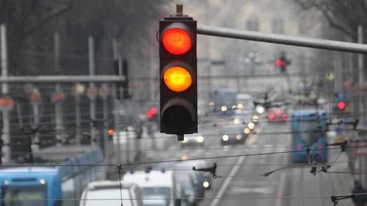 Quanto dura il semaforo giallo
