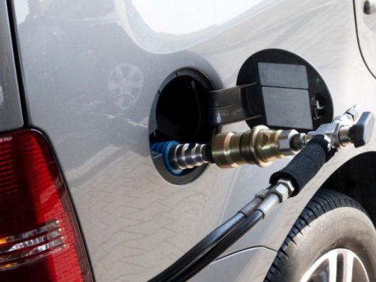 rifornimento self-service auto a metano