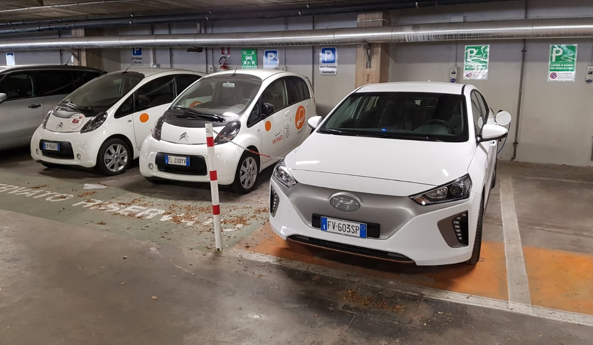 Le auto del servizio di corporate car sharing di Wind Tre