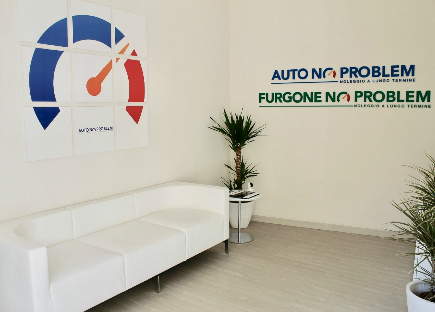 Auto No Problem interni Mobility Store