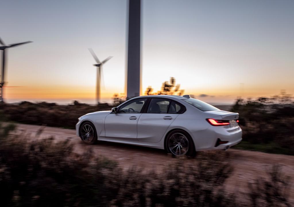 Caratteristiche di BMW Serie 3 ibrida