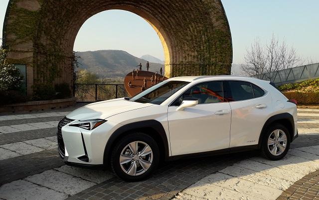 Lexus Ux cantine Bellavista