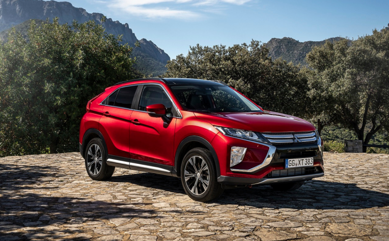 Nuova Mitsubishi Eclipse Cross turbodiesel rossa