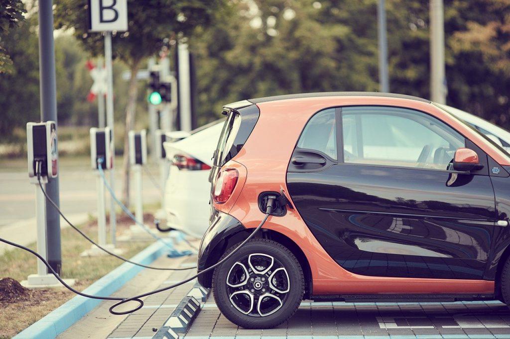 auto elettrica conviene - costi