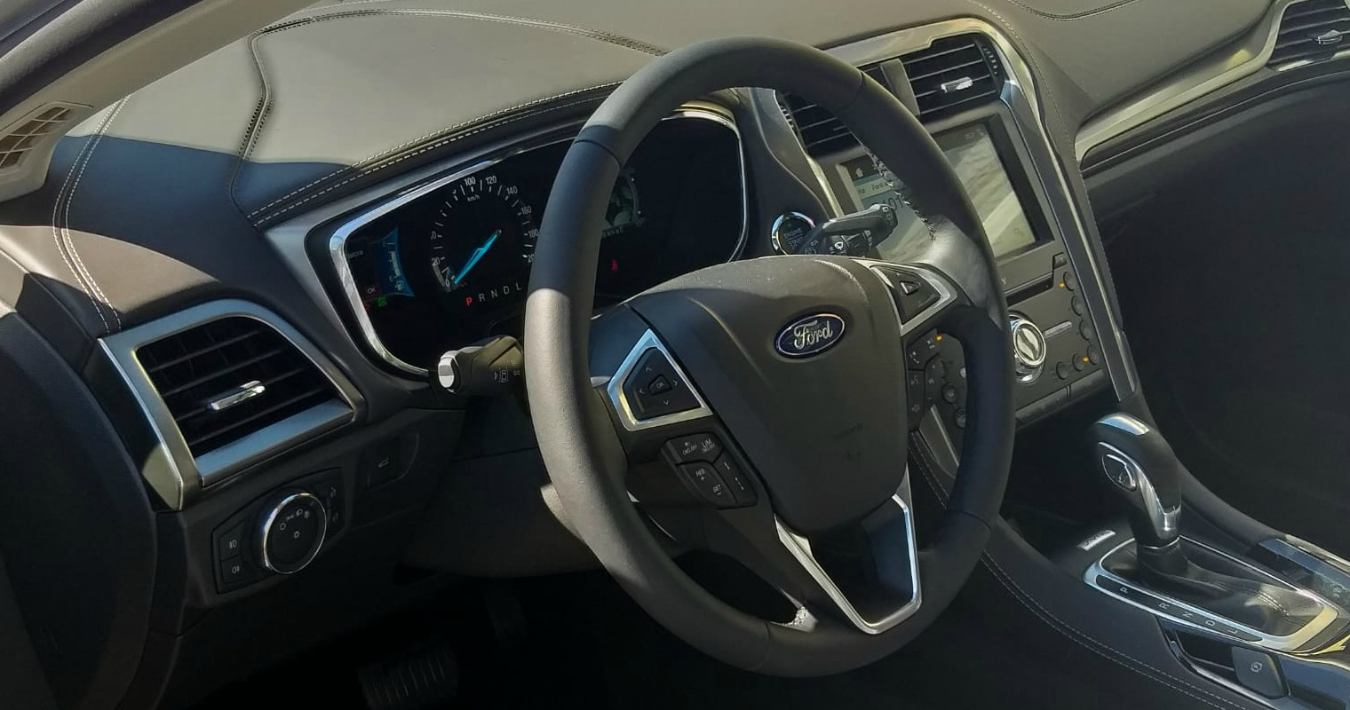 interni nuova Ford Mondeo Wagon Hybrid
