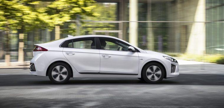 Hyundai Ioniq ibrida plug-in 2019 test drive