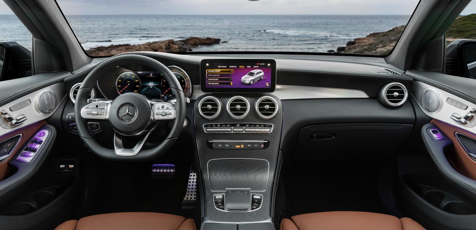 Interni nuovo Mercedes GLC