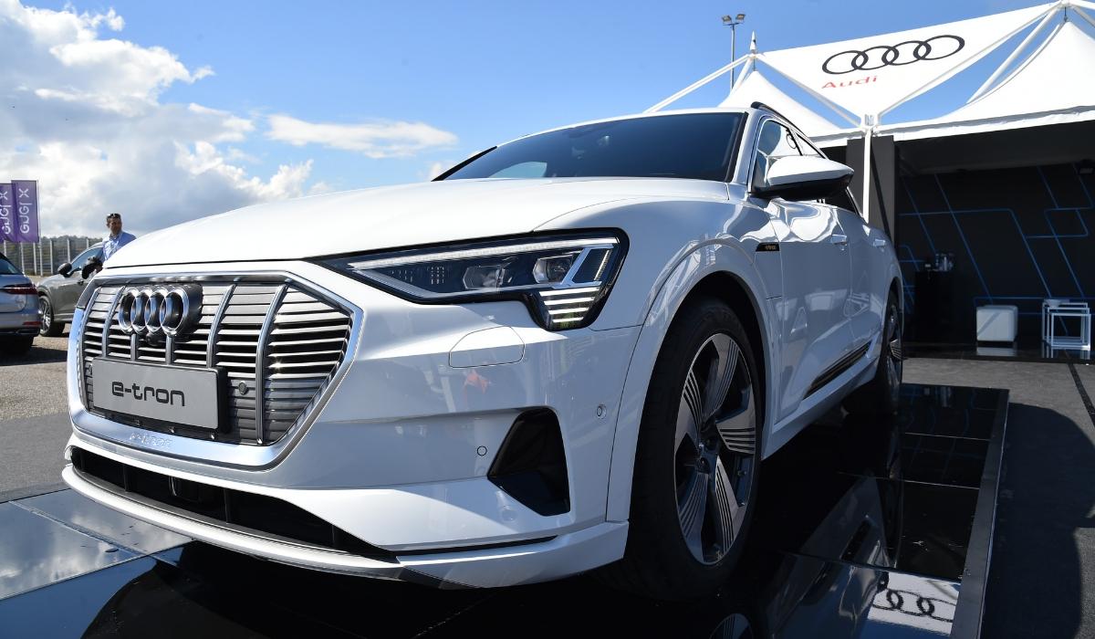Nuova Audi e-tron anteprima Fleet Motor Day 2019 Suv elettrico