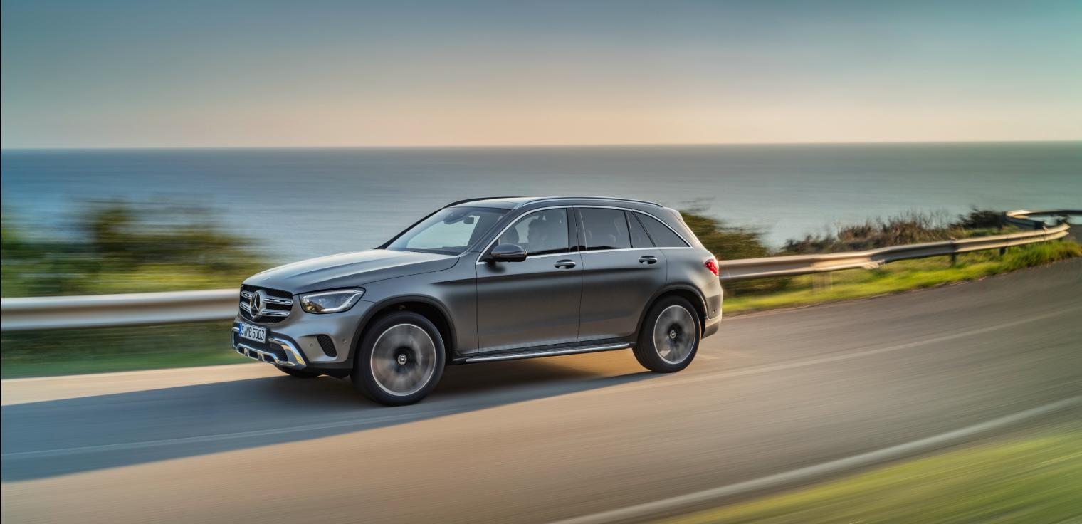 Nuovo Mercedes GLC su strada