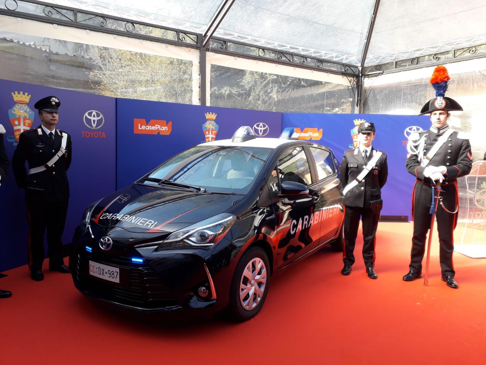 Toyota e LeasePlan consegnano una flotta di Yaris Hybrid al Comando Generale dell'Arma dei Carabinieri