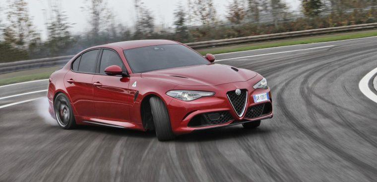 Alfa Romeo Giulia Quadrifoglio a noleggio