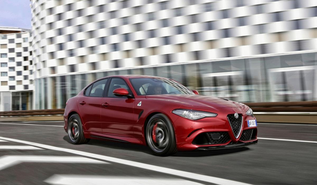Alfa Romeo Giulia Quadrifoglio noleggio breve termine Hertz Selezione Italia