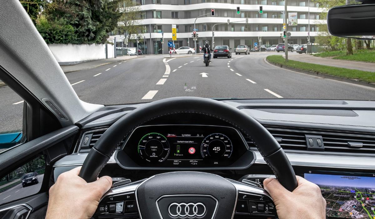 Audi Traffic Light Information indicazioni quadro strumenti