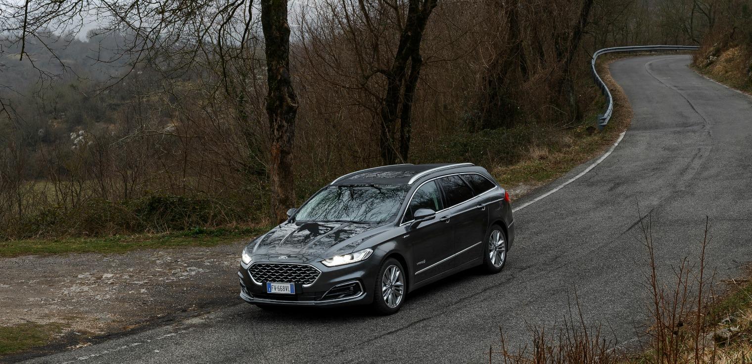 Esterni nuova Ford Mondeo Wagon Hybrid 2019