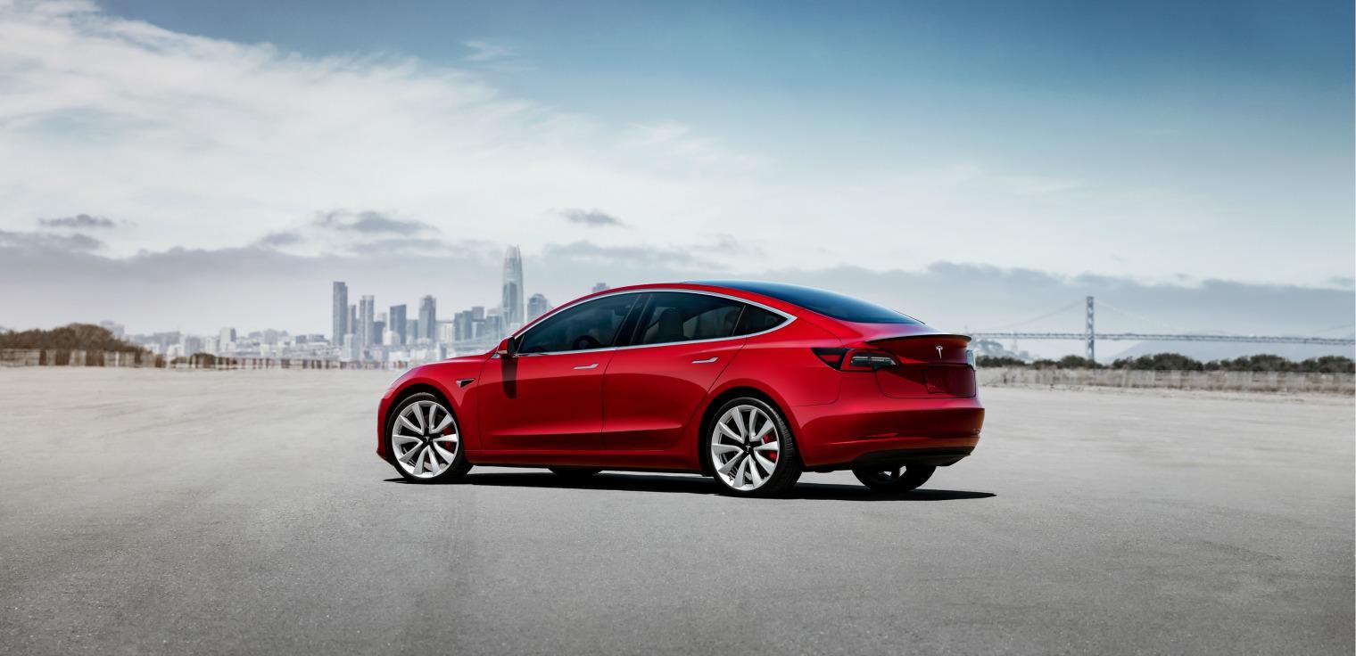 Esterni nuova Tesla Model 3