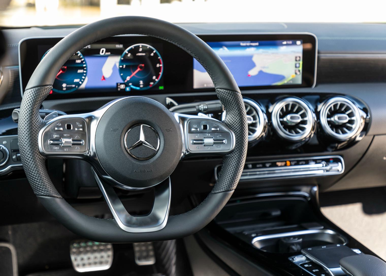 Interni nuova Mercedesl CLA Coupe