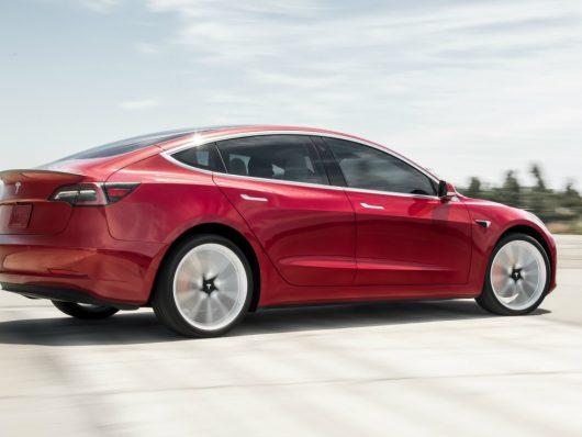 Lancio nuova Tesla Model 3 2019