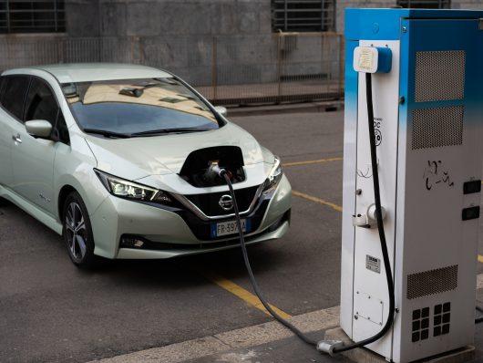 Nissan_Leaf_in_ricarica