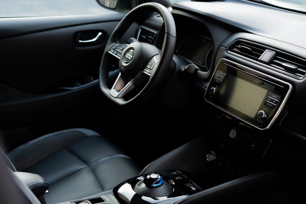 Nissan_Leaf_plancia