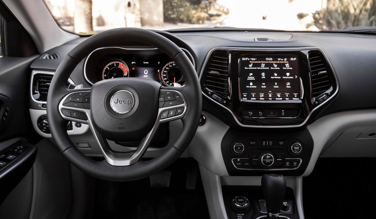 Nuova Jeep Cherokee 2019 abitacolo
