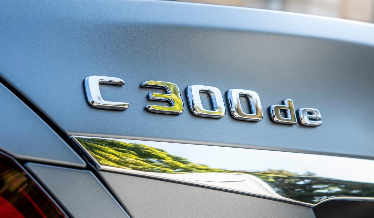 Nuova Mercedes Classe C ibrida diesel plug-in berlina