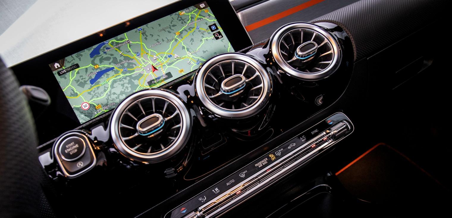 Tecnologia nuova Mercedes CLA Coupe