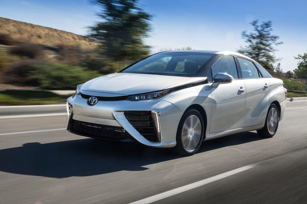 Toyota-mirai-giro-italia