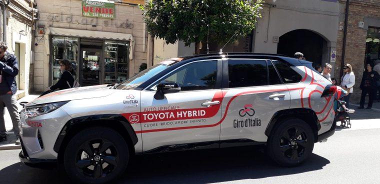 Toyota_RAV4_Montagna