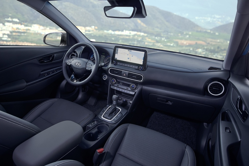Interni di Hyundai Kona ibrida 2019