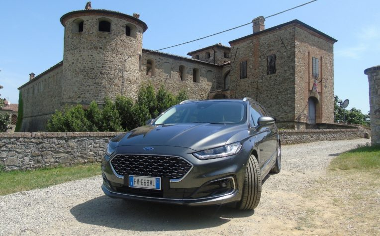 Nuova Ford Mondeo wagon hybrid 2019 Vignale