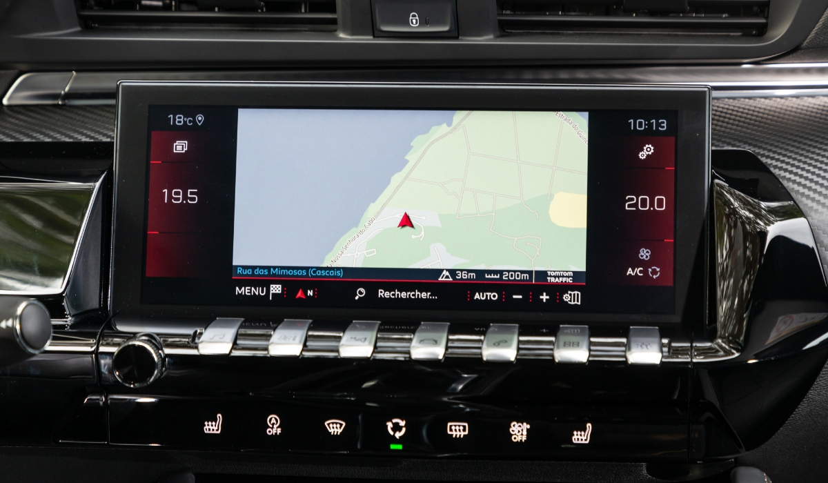 Nuova Peugeot 508 SW 2019 touchscreen