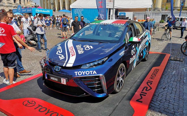 Toyota_Mirai_Giro_2019