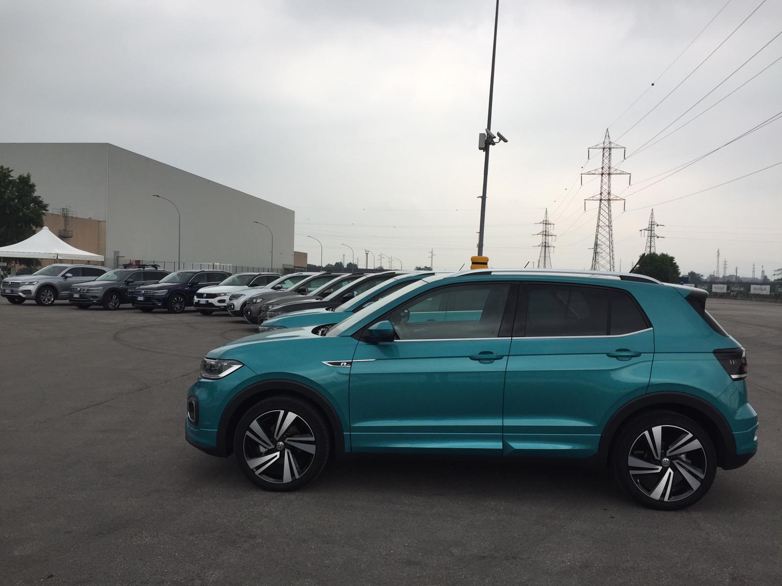 Volkswagen T-Cross si presenta in 11 colorazione