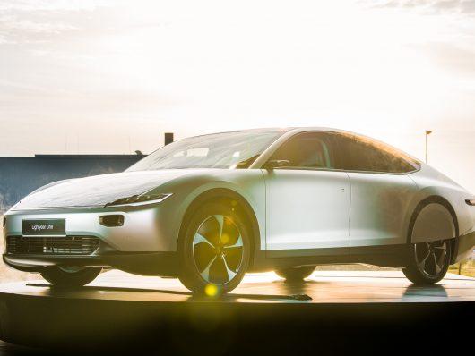 Lightyear One, il concept della prima auto a energia solare a lunga distanza