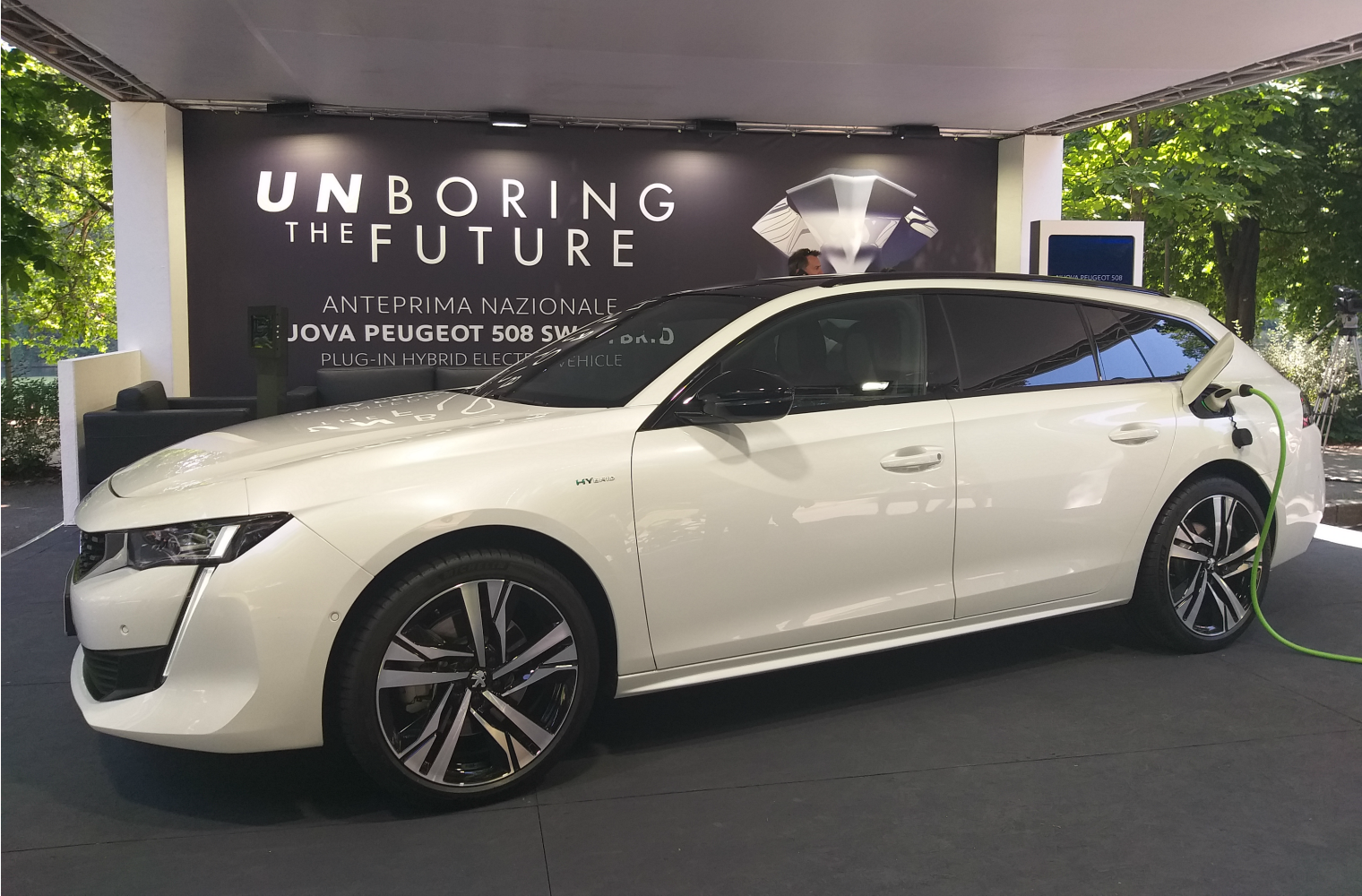 nuova Peugeot 508 SW ibrida plug in Salone Torino 2019