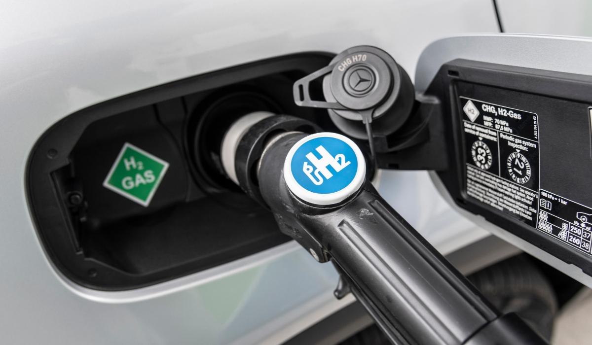 Rifornimento di auto a idrogeno