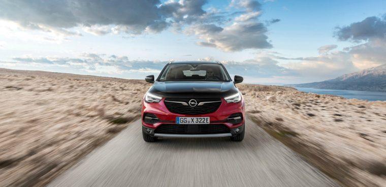Autonomia nuova Opel Grandland X Hybrid4