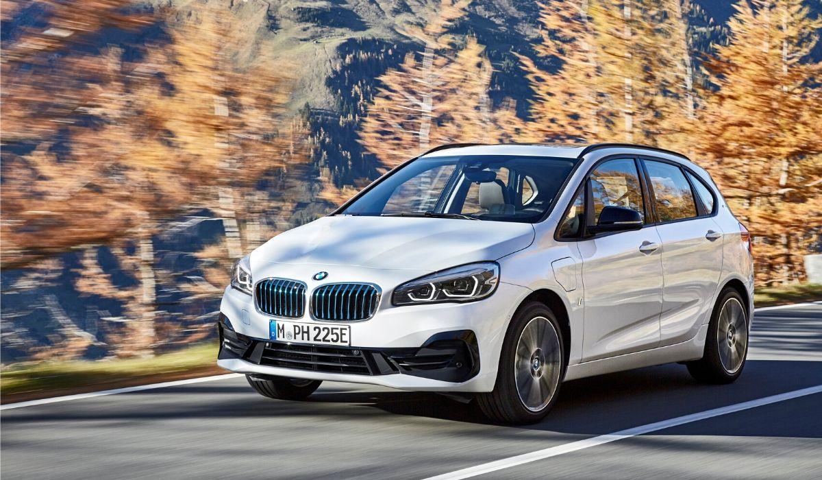 BMW Serie 2 Active Tourer ibrida plug-in