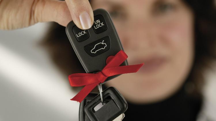 Come funziona leasing auto