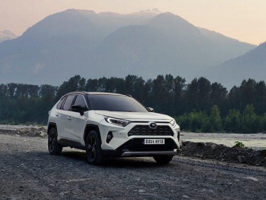Toyota corre verso la mobilità sostenibile
