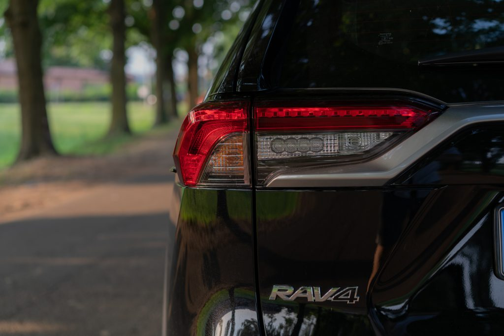 Toyota_RAV4_faro_posteriore