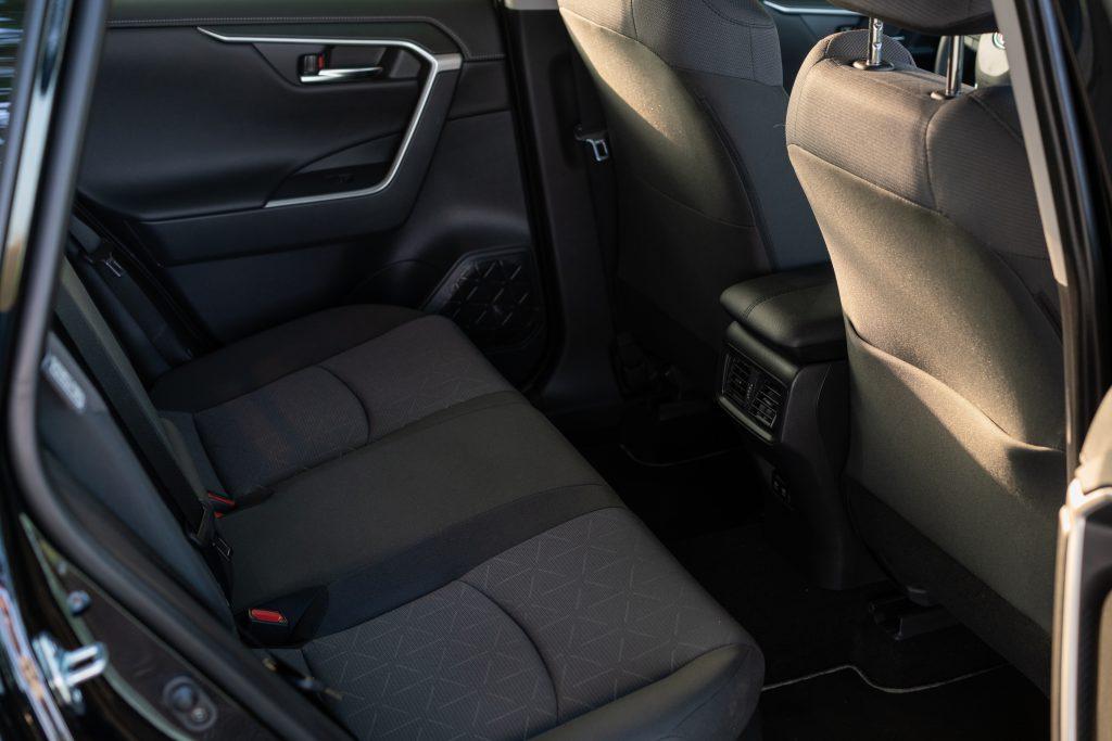 Toyota_RAV4_interni