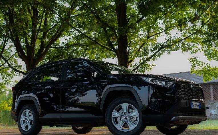 Toyota_RAV4_profilo