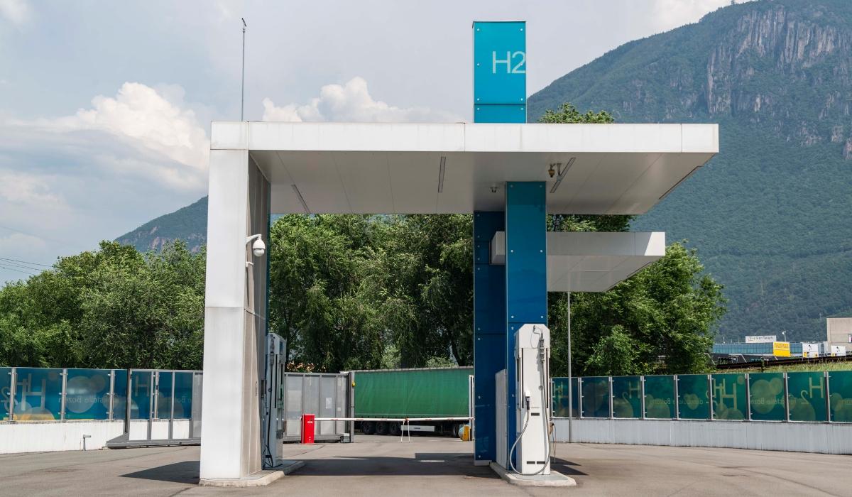 stazione di rifornimento per auto a idrogeno