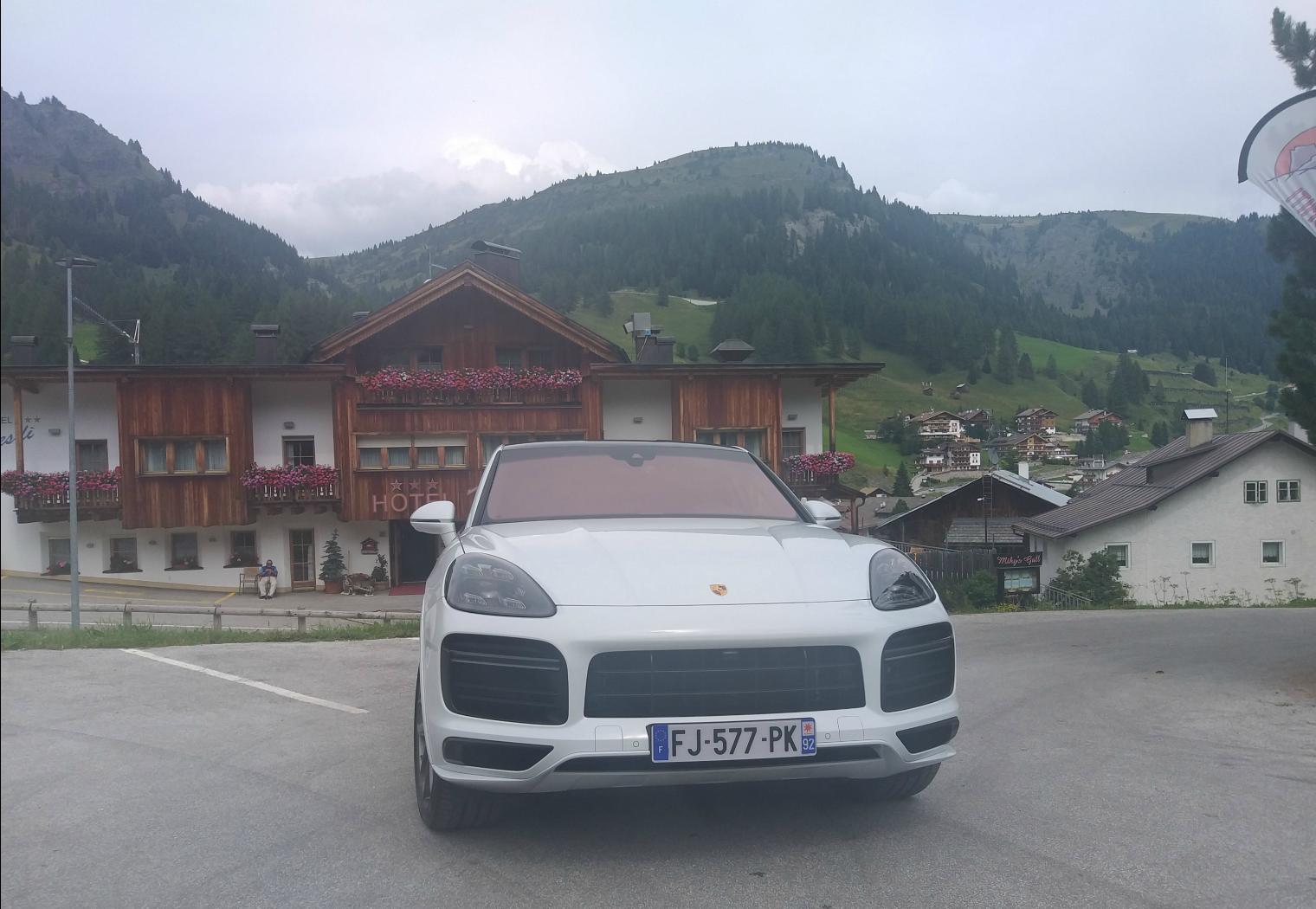 Frontale nuova Porsche Cayenne Coupé 2019