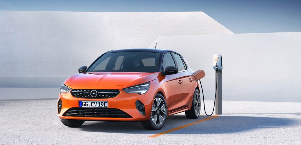 Nuova Opel Corsa-e elettrica 2020 confronto benzina e diesel
