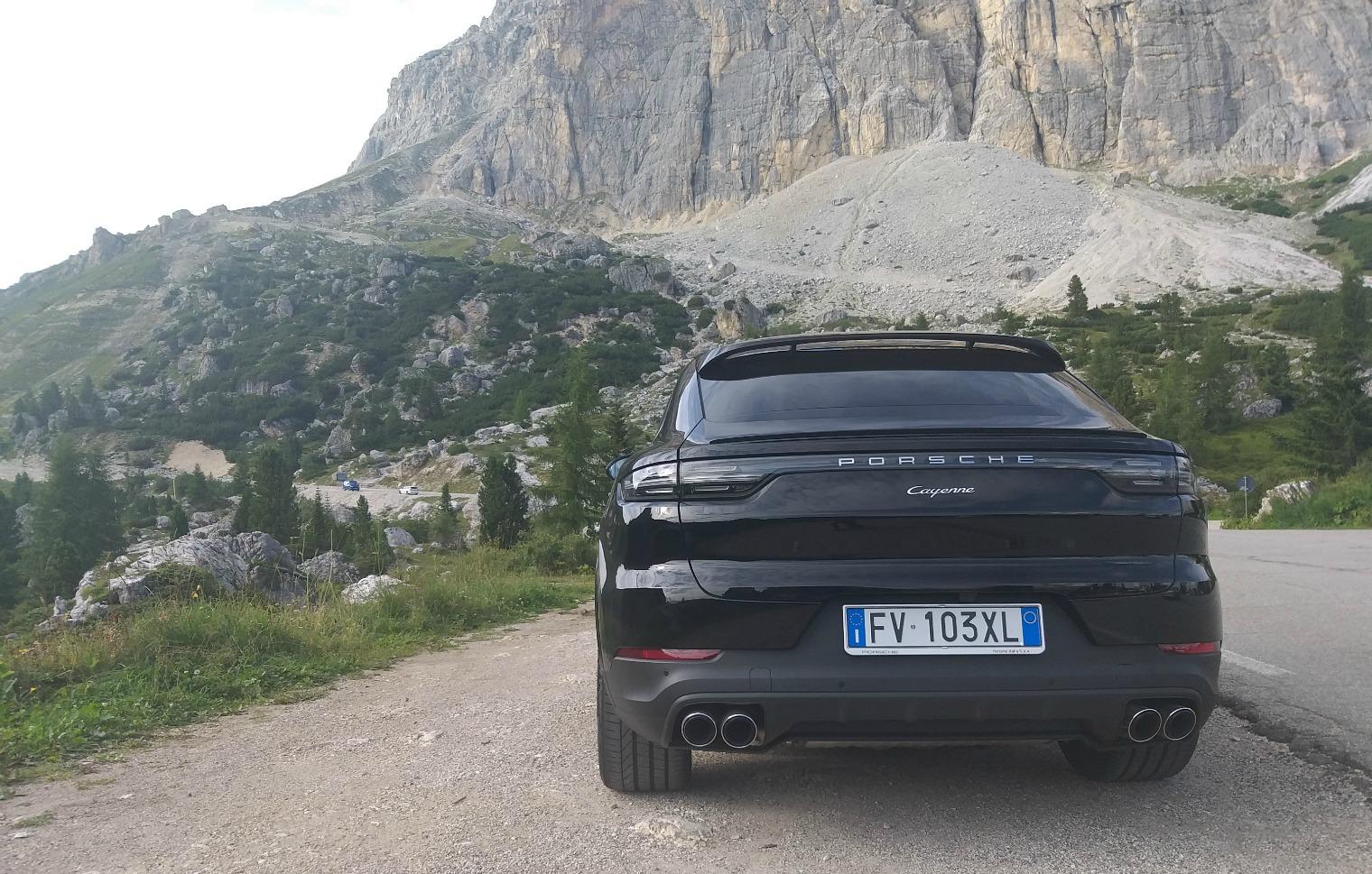 retro nuova Porsche Cayenne Coupé